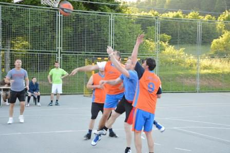 V košarkarski ligi odigrani vsi trije krogi, sledi še final 4