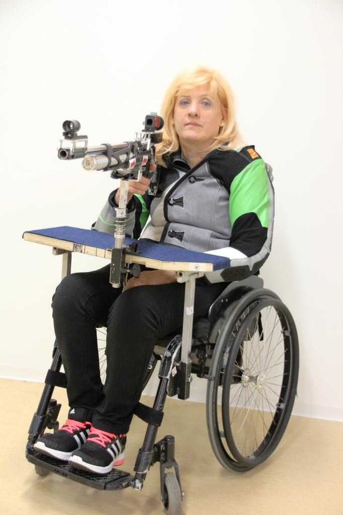 Veselka Pevec paraolimpijska prvakinja v streljanju!