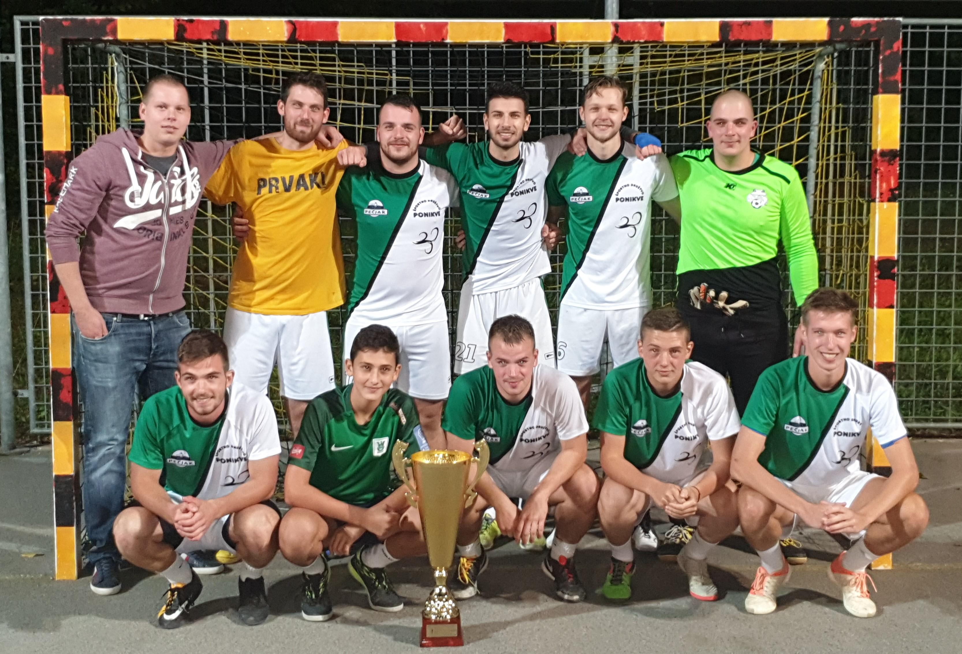Ekipa ŠD Ponikve zeleno-beli prvak dobrepoljske futsal lige 2019